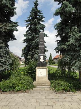 Památník padlým.JPG