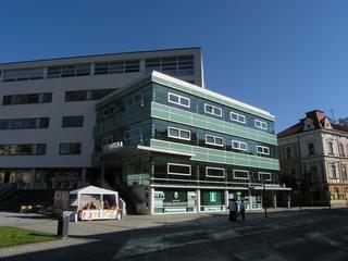 Pohled na IC Vsetín z Dolního náměstí.