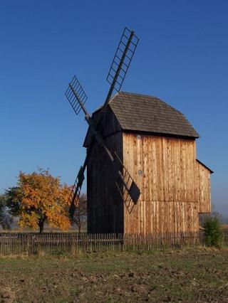 větrný mlýn v Rymicích