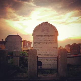 Šachova tumba na holešovském židovském hřbitově